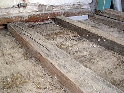 Holzdecke Sanieren fußbodenheizung in einer holzbalkendecke