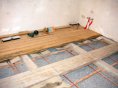 Fußboden Mit Osb Ausgleichen ~ Fußbodenheizung in einer holzbalkendecke