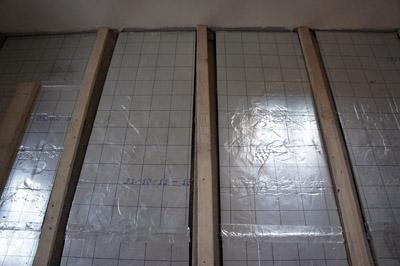 Fußbodenheizung in einer Holzbalkendecke