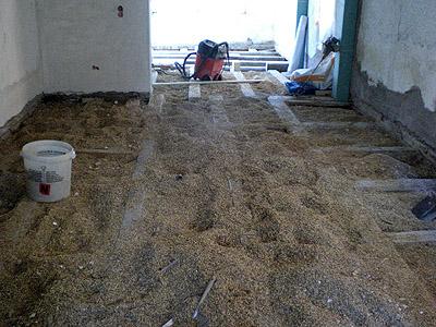 Fußboden Im Altbau Dämmen ~ Fußbodenheizung in einer holzbalkendecke